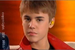 """Justin Bieber lauscht seiner Übersetzung auf der """"Wetten, dass..""""- Couch"""